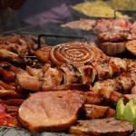 800px-Barbecue_food_in_Romania[1]